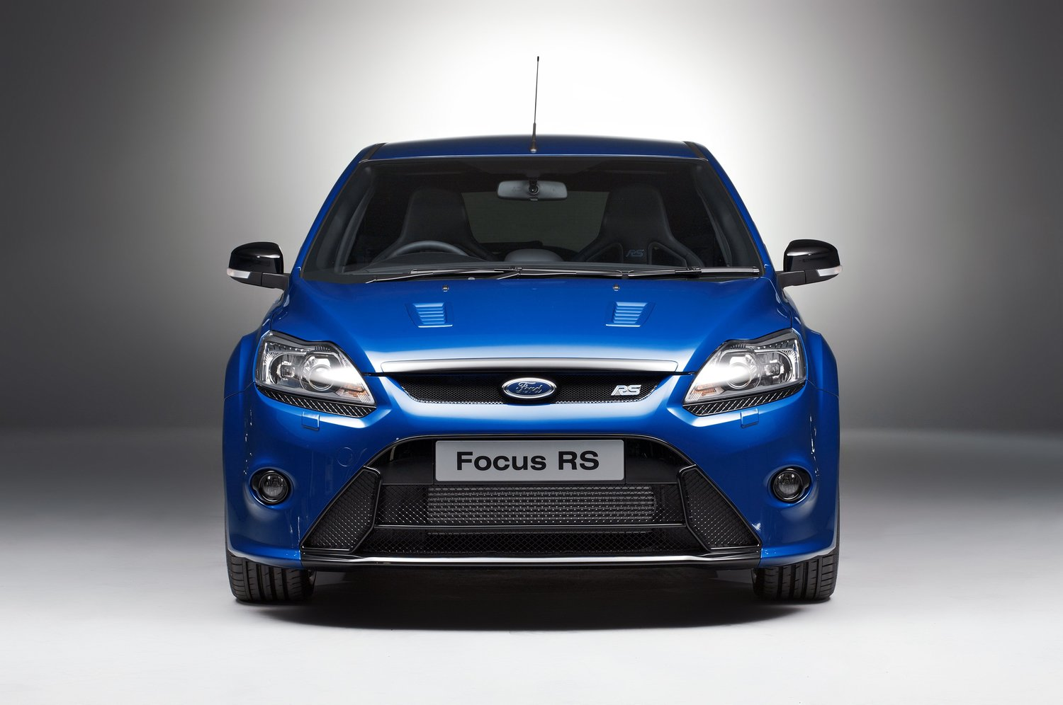 синий автомобиль ford focus rs  № 215577 загрузить