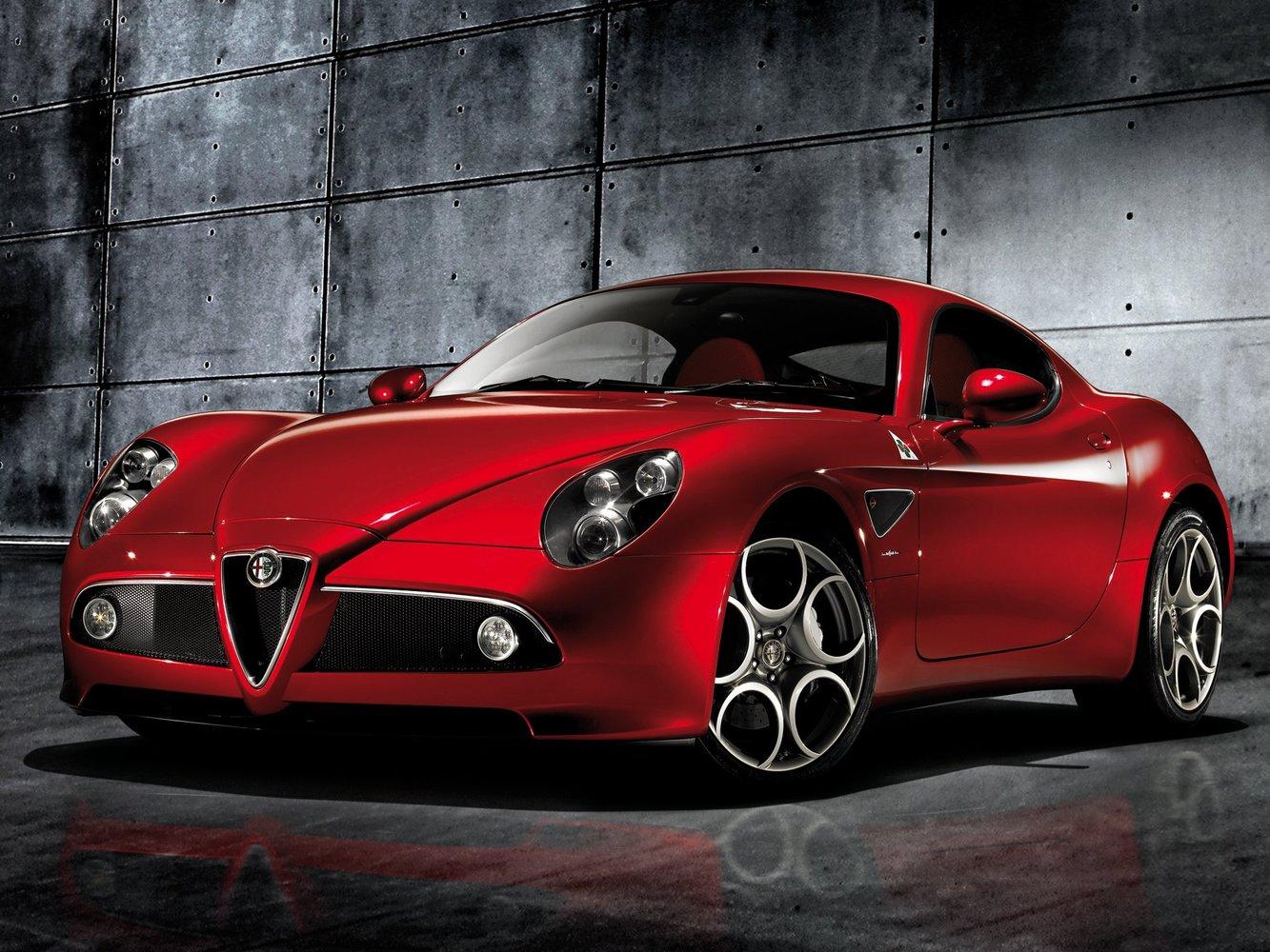 купе Alfa Romeo 8C Competizione