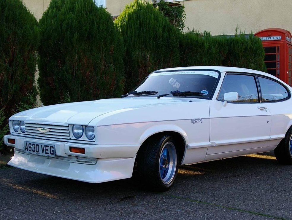 купе Aston Martin Tickford Capri