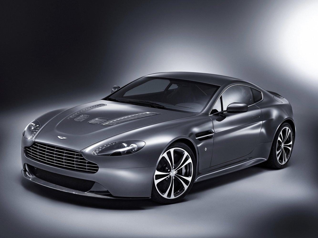 aston_martin Aston Martin V12 Vantage
