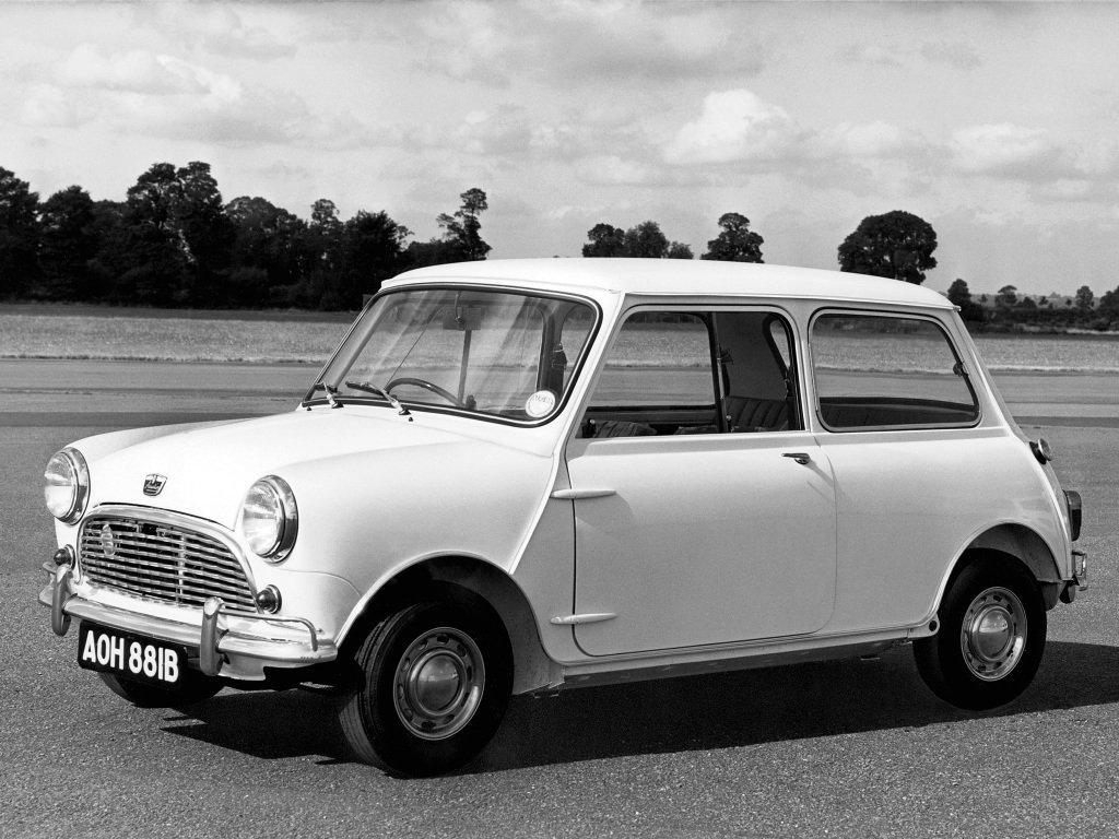 седан Austin Mini