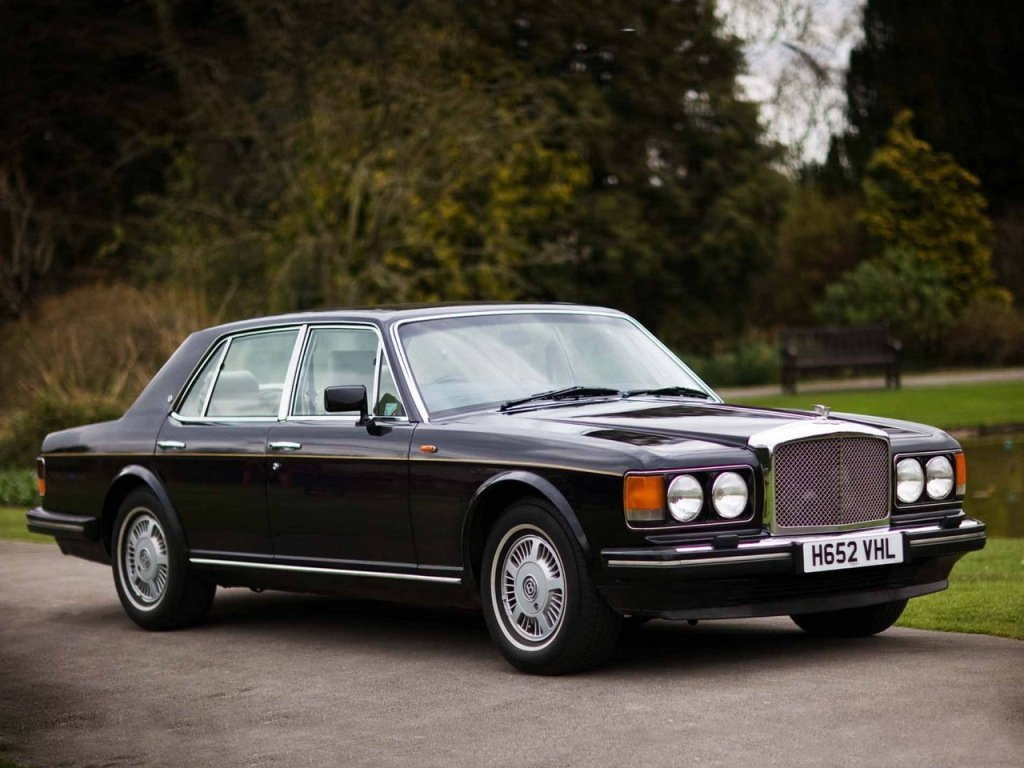 седан Bentley Eight