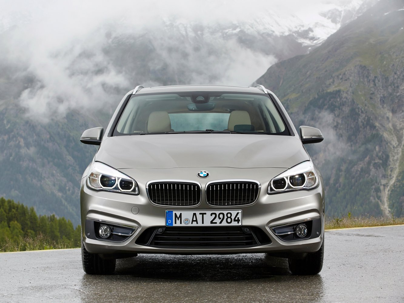 минивэн BMW 2er Active Tourer 2014 - 2016г выпуска модификация 1.5 AT (116 л.с.)