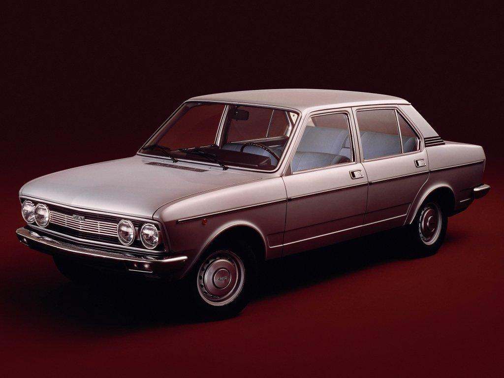 седан Fiat 132