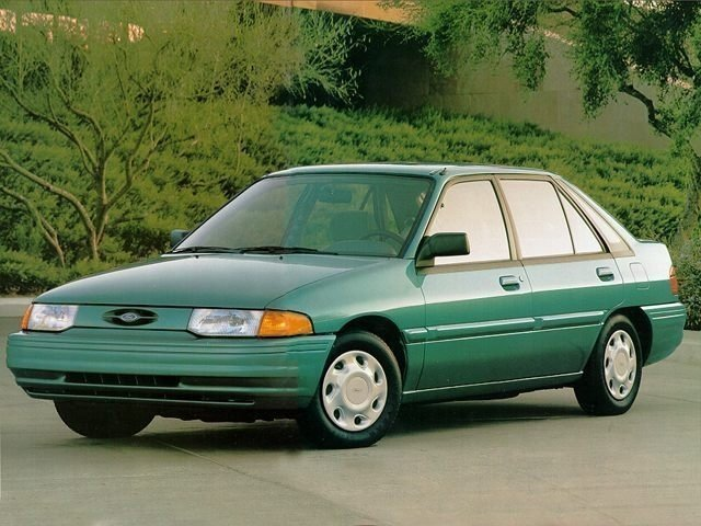 седан Ford Escort (North America) 1998 - 2003г выпуска модификация 2.0 AT (111 л.с.)