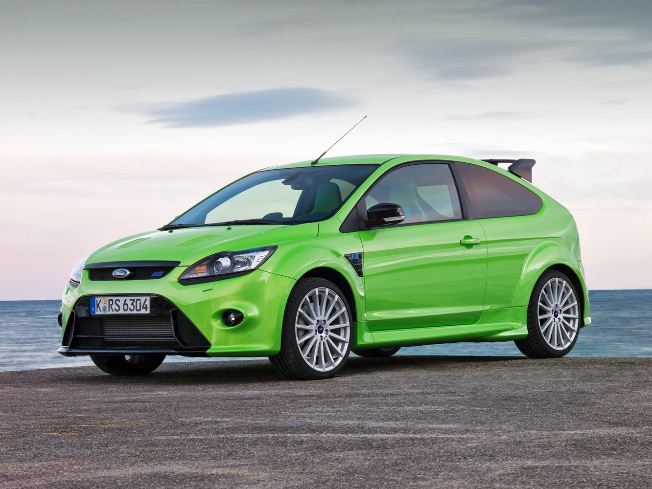 хэтчбек 3 дв. Ford Focus RS