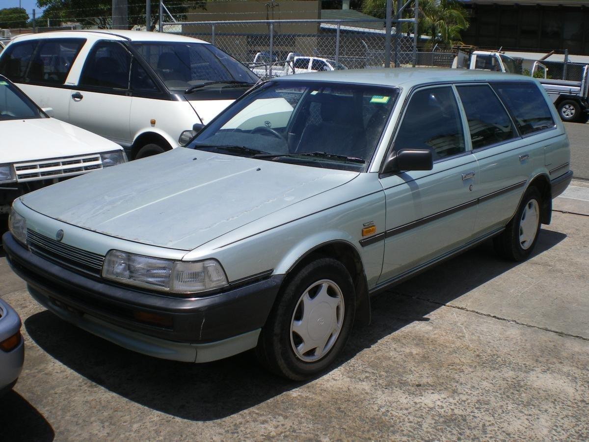 универсал Holden Apollo
