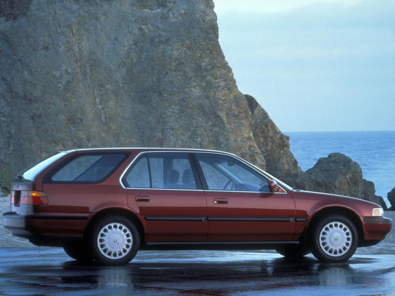 универсал WAGON Honda Accord 1990 - 1993г выпуска модификация 2.2 AT (140 л.с.)