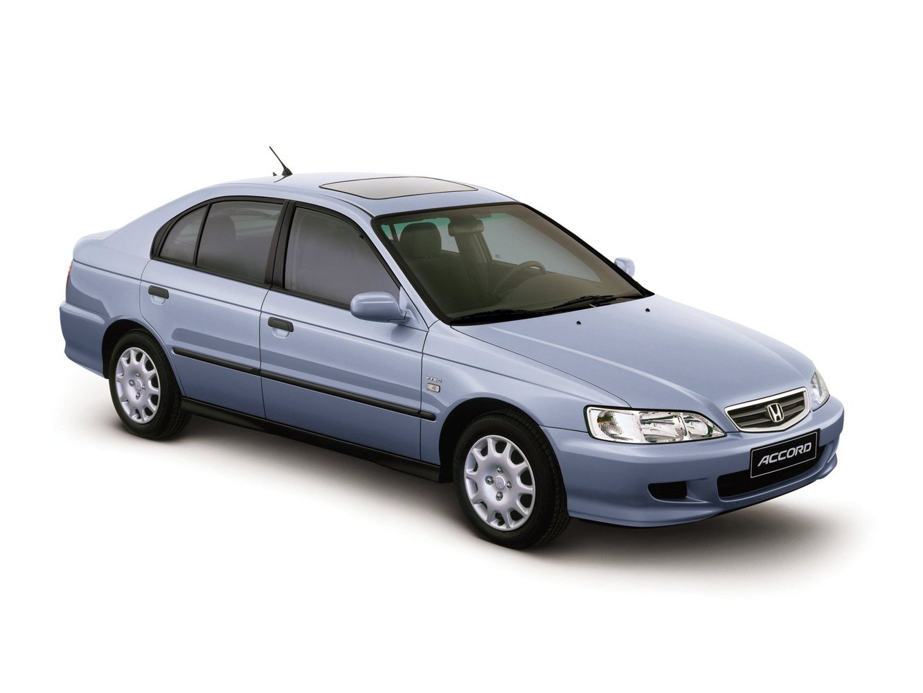 хэтчбек 5 дв. Honda Accord 1998 - 2002г выпуска модификация 1.6 MT (116 л.с.)
