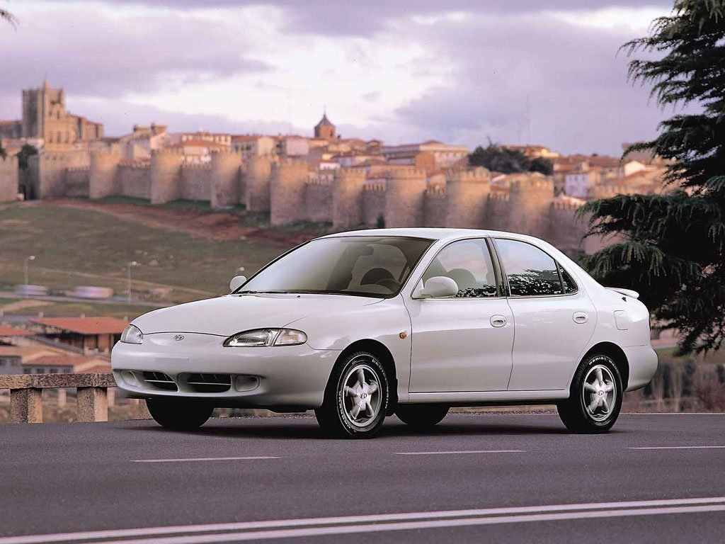 седан Hyundai Elantra