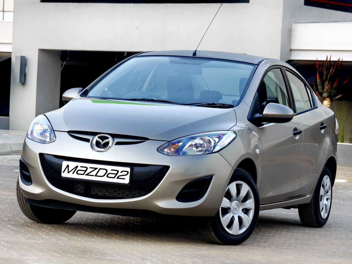 седан Mazda 2