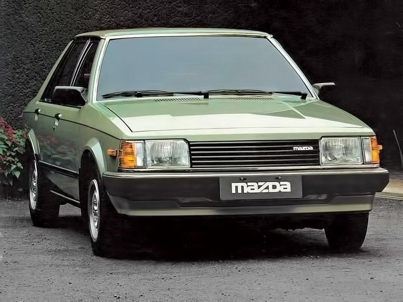 седан Mazda 323