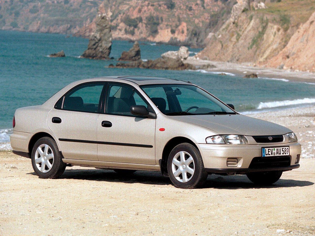 седан S Mazda 323