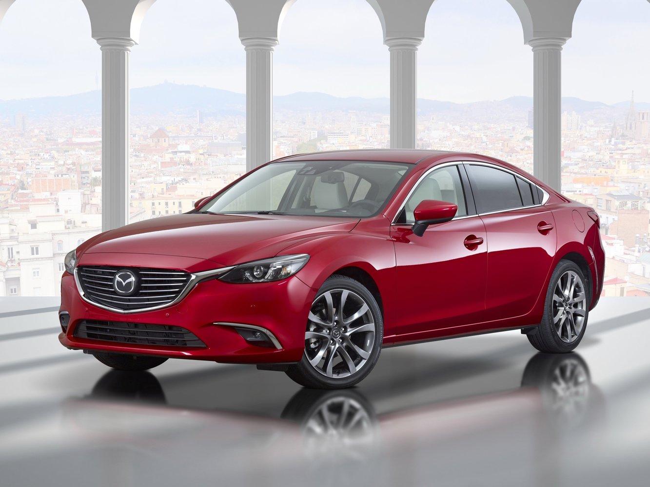 седан Mazda 6