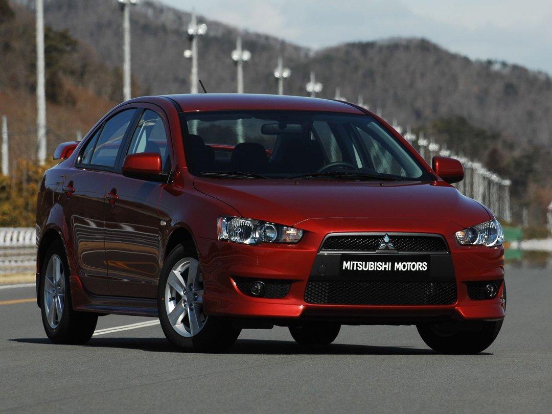 седан Mitsubishi Lancer