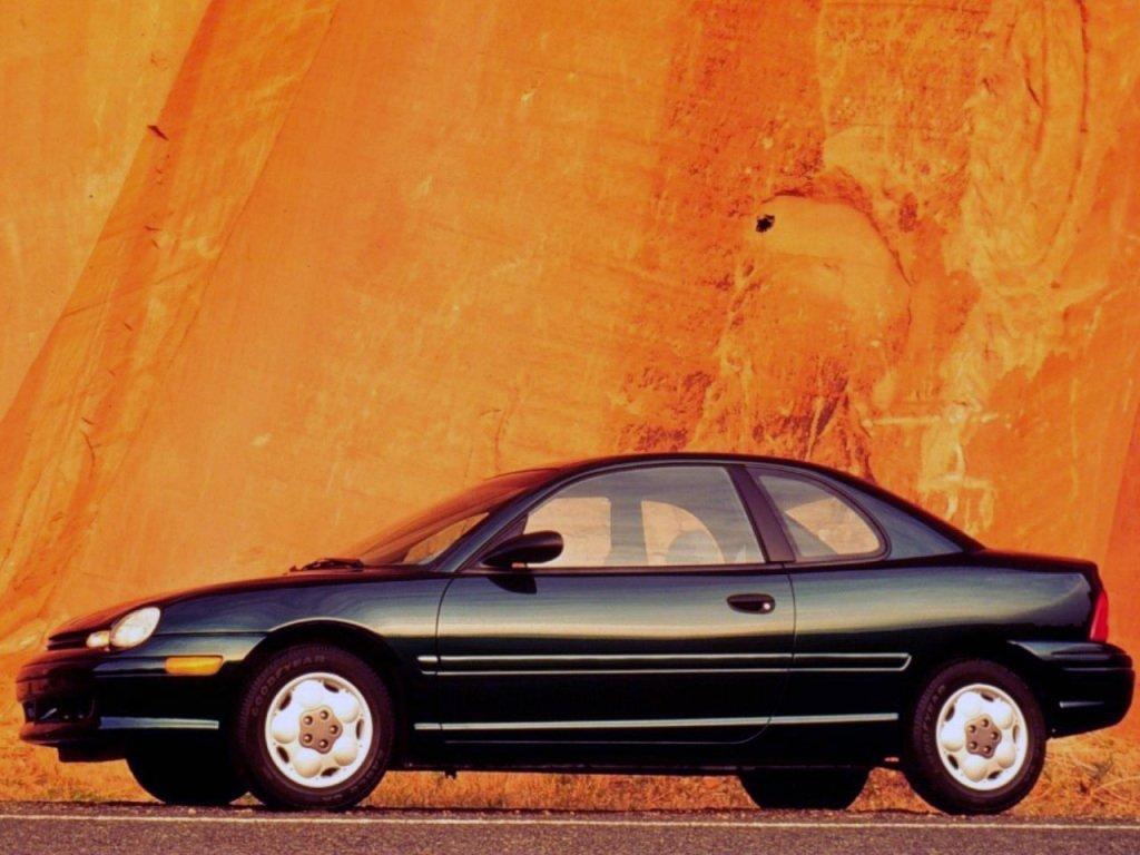купе Plymouth Neon