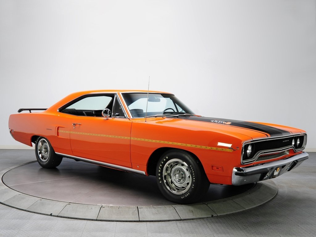 купе Plymouth Road Runner
