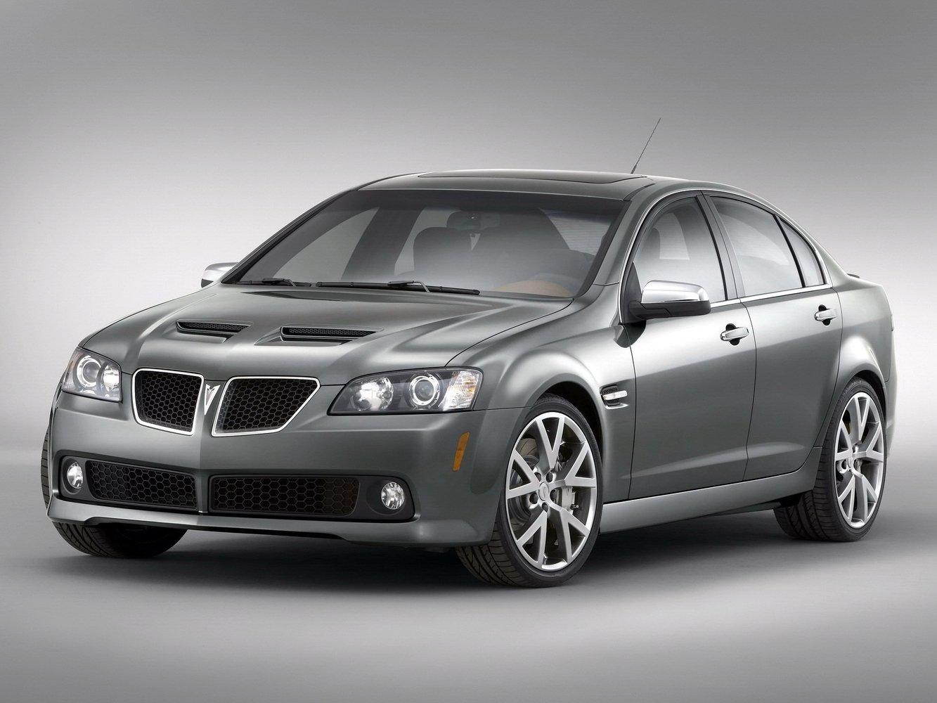 седан Pontiac G8