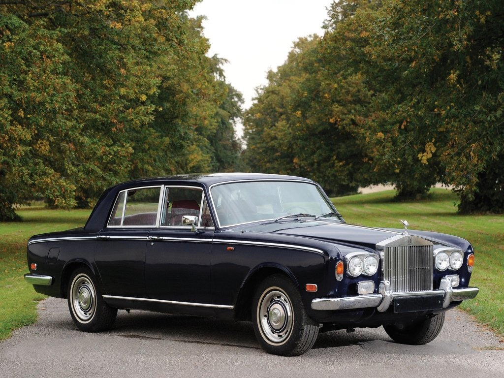 седан Rolls-Royce Silver Shadow