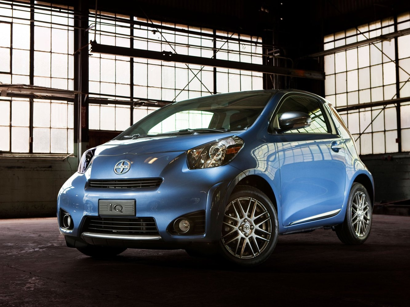 scion Scion iQ