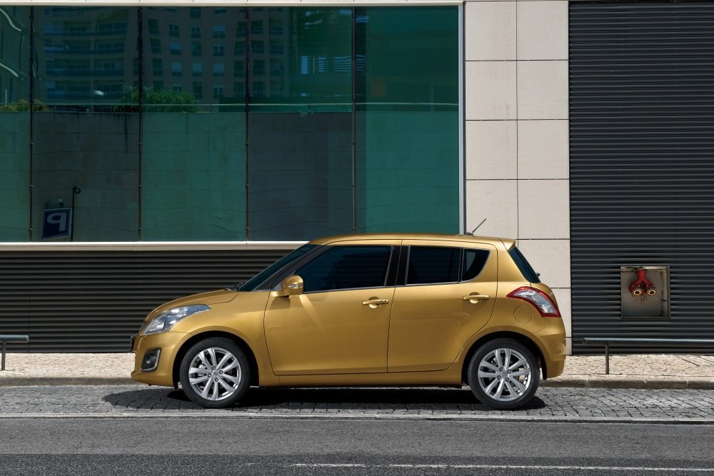 хэтчбек 5 дв. Suzuki Swift 2013 - 2015г выпуска модификация 1.2 MT (75 л.с.)