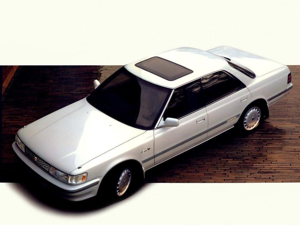 седан Toyota Chaser