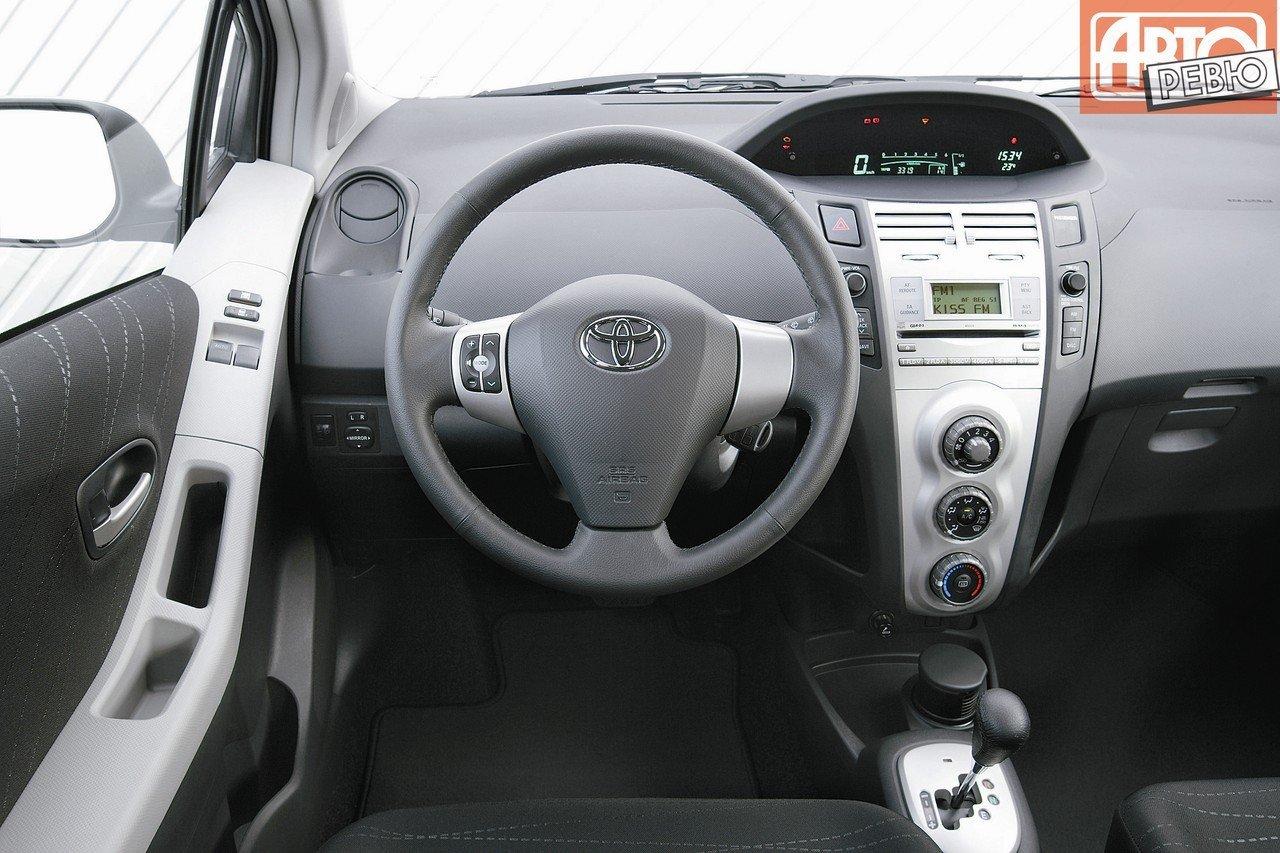 Toyota Yaris автомат или робот #8