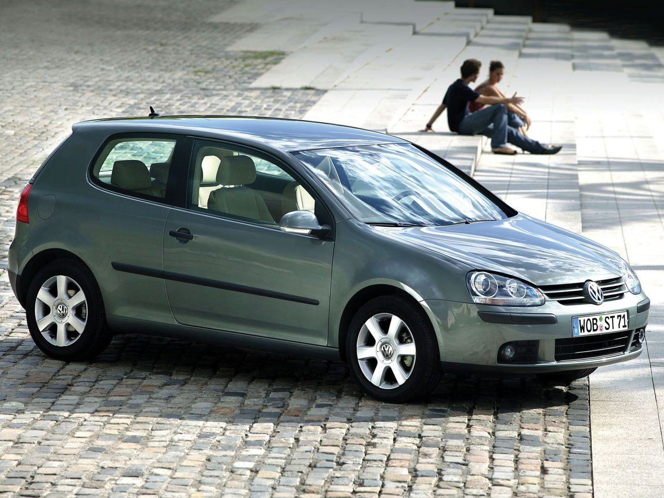 хэтчбек 3 дв. Volkswagen Golf 2003 - 2009г выпуска модификация 1.4 AMT (122 л.с.)