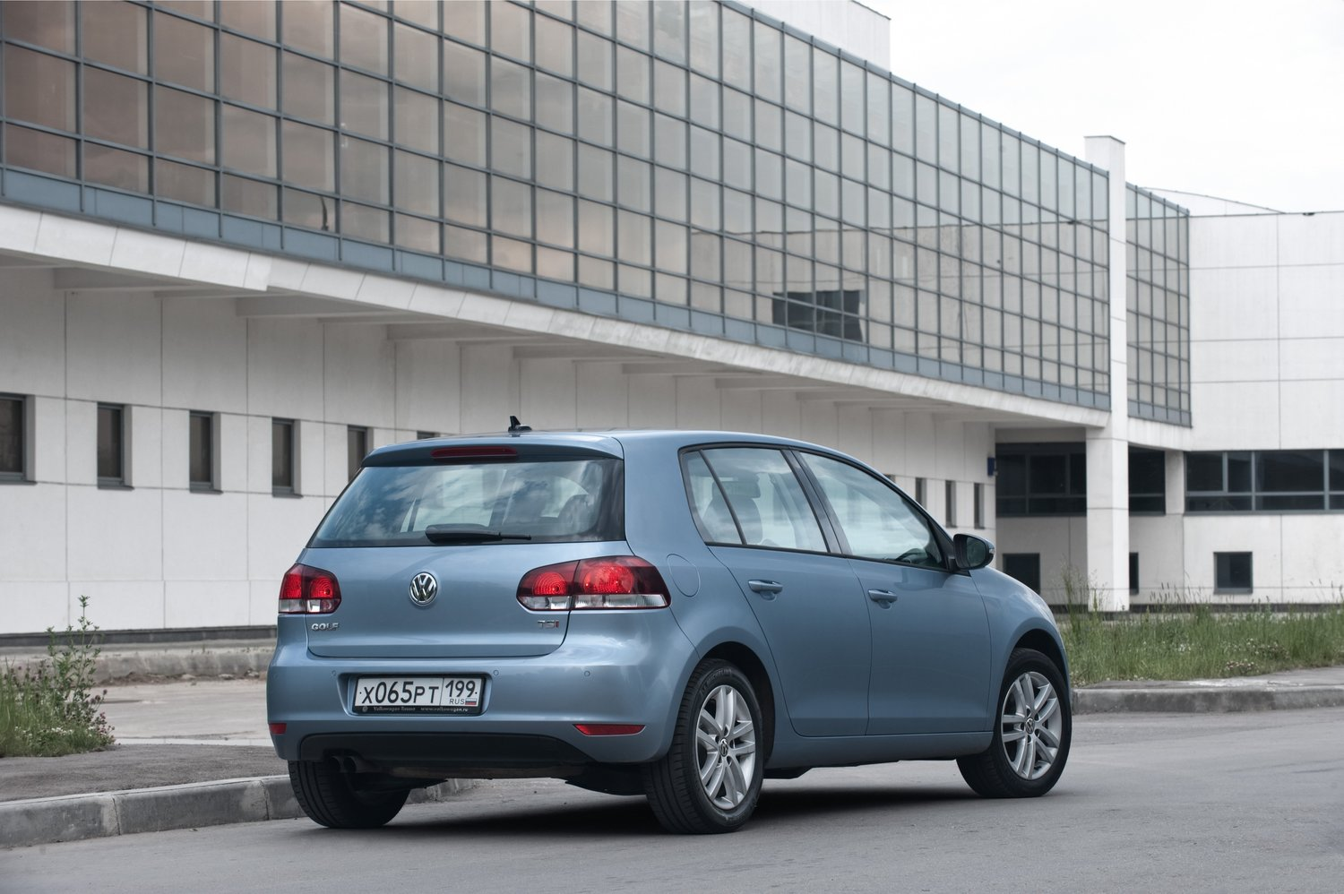 хэтчбек 5 дв. Volkswagen Golf 2009 - 2012г выпуска модификация 1.4 AMT (160 л.с.)
