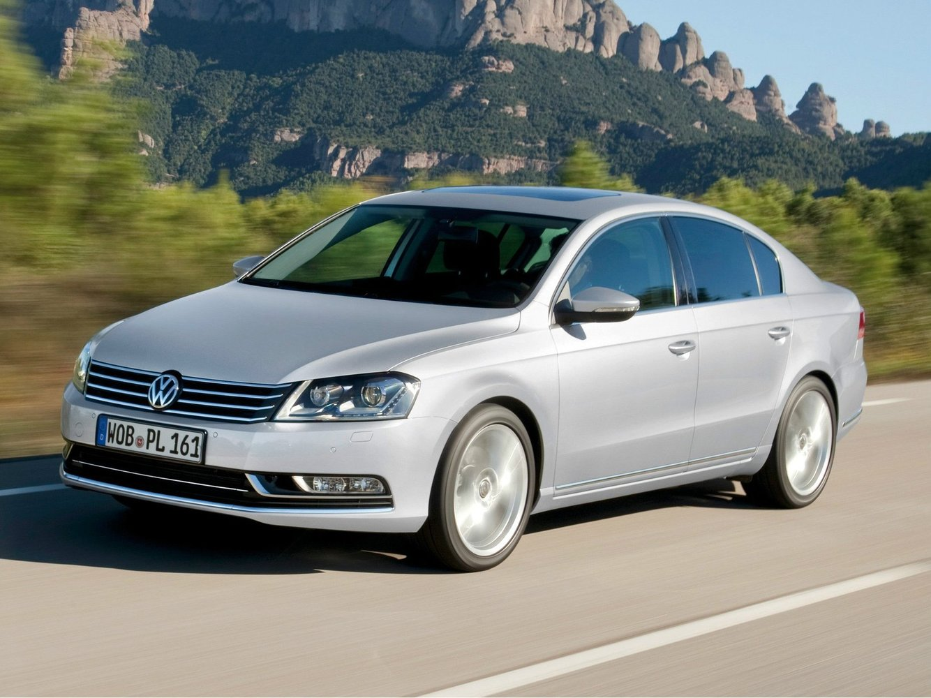 седан Volkswagen Passat